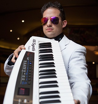 book-kevy-g-pianist-keyboardist-arranger-composer-eventsinc-corporate-events-weddings-functions